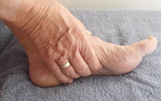 Мерзнут ноги причины у женщин