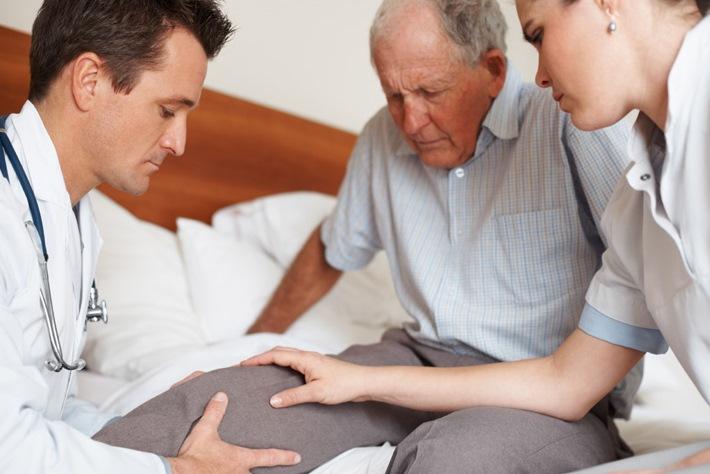 Лечение после перелома шейки бедра у пожилых людей дом престарелых платный
